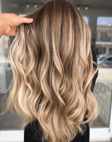 ξανθά μαλλιά balayage χρώμα μαλλιών