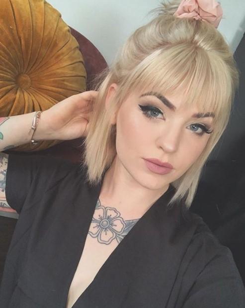 ξανθά μαλλιά μισά πάνω χτενίσματα φράντζα