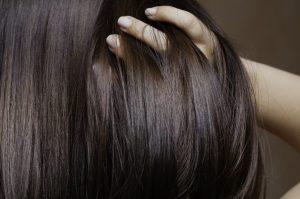 λαμπερα πλούσια μαλλιά
