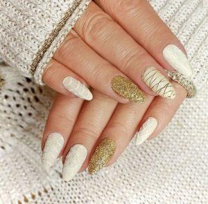 λευκο ε χρυσο νυχια