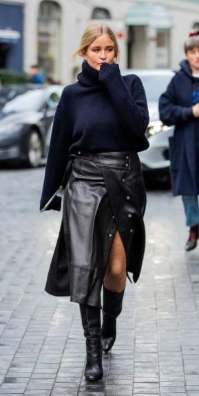 μαύρη φούστα μπλε πουλόβερ κομμάτια χειμερινές εκπτώσεις