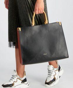 μαύρη γυναικεία τσάντα χειρός