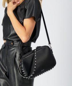 μαύρη τσάντα με τρουξ