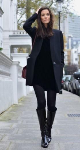 μαύρο φόρεμα με μαύρες μπότες