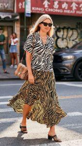 ντύσιμο με midi φούστα