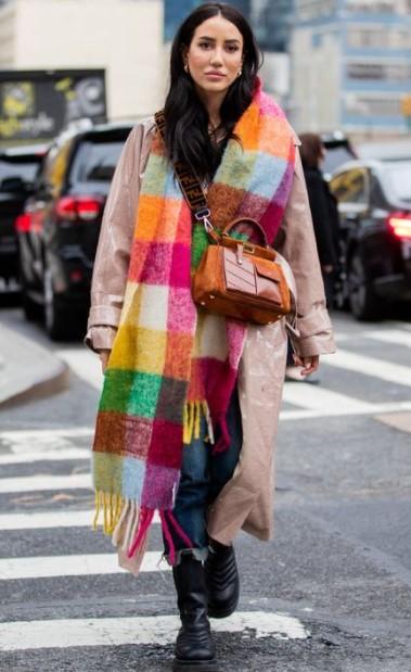 πολύχρωμο κασκόλ παλτό