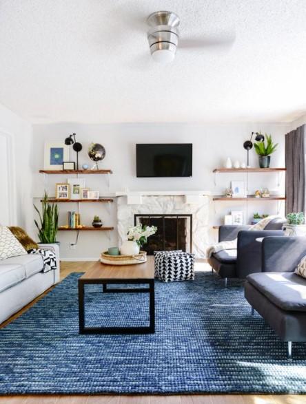 σαλόνι μπλε χαλί καναπέδες διακοσμήσεις μικρό σπίτι