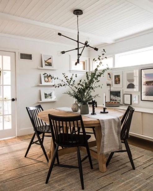 στρογγυλό τραπέζι μαύρες καρέκλες