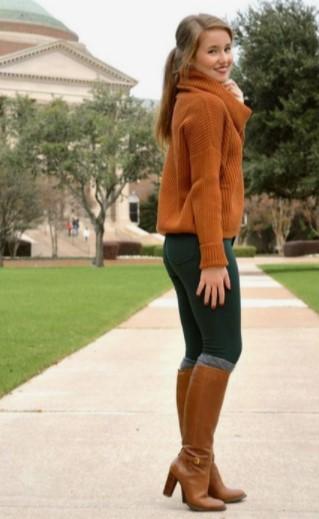 ταμπά μπότες με ασορτί πουλόβερ