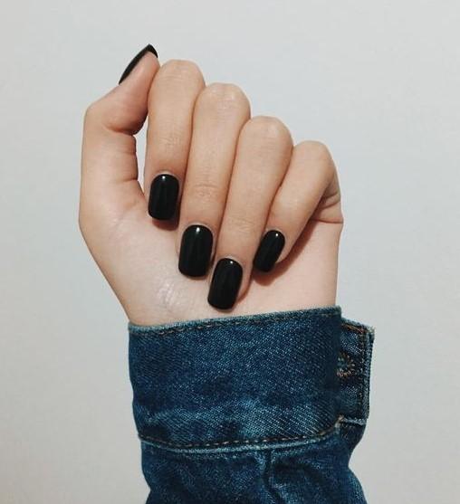τετράγωνα μαύρα νύχια σχήμα νυχιών