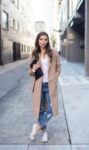 τζιν παντελονι και παλτό