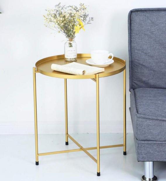 χρυσό τραπέζι βάζο