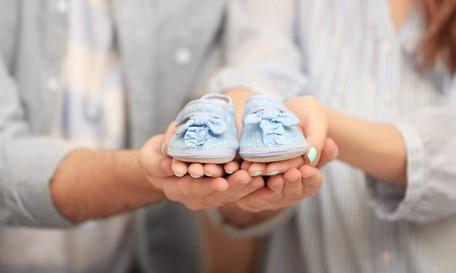 7 Πρωτότυπες ιδέες για ανακοίνωση εγκυμοσύνης!