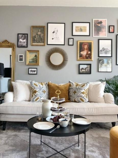 gallery wall άσπρος καναπές