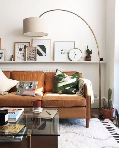 καναπές ράφι κάδρα