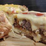 Καρβέλι cheeseburger - Cheeseburger round loaf