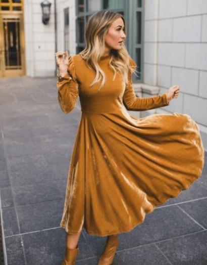 κίτρινο βελούδινο φόρεμα μακρύ χειμωνιάτικα φορέματα
