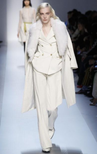 λευκό κοστούμι λευκό παλτό χειμωνιάτικο λευκό outfit