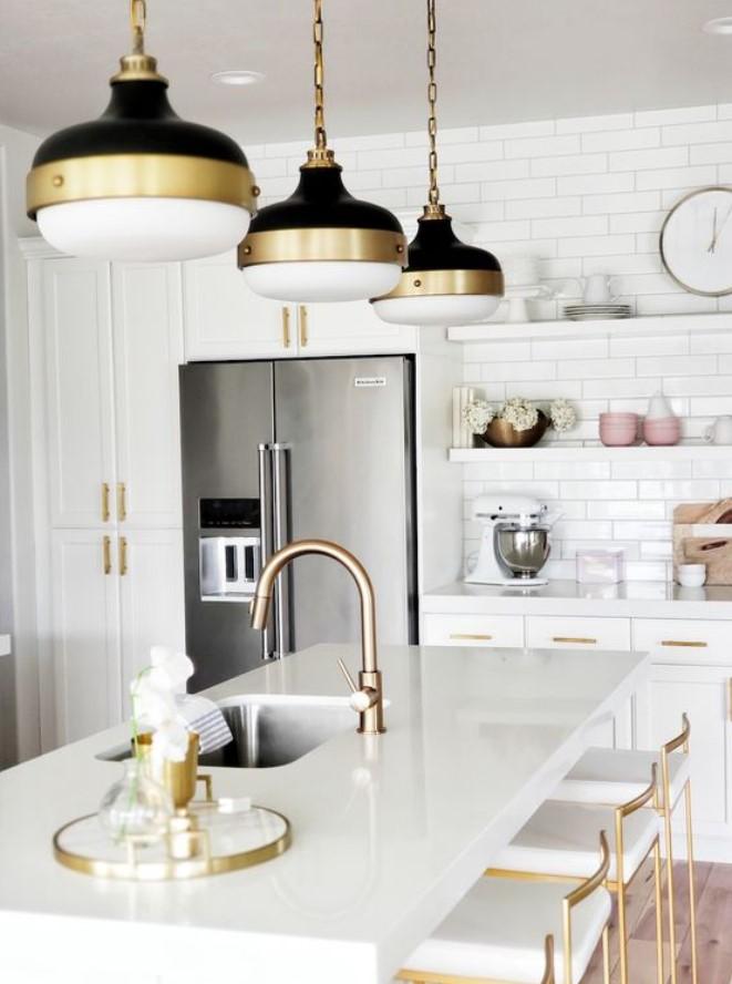 λευκή κουζίνα