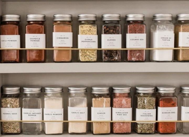 Ιδέες για να οργανώσεις τα ντουλάπια της κουζίνας σου!