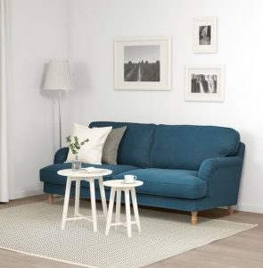 μπλε καναπές