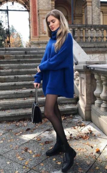 μπλε πλεκτό πουλόβερ μποτάκι