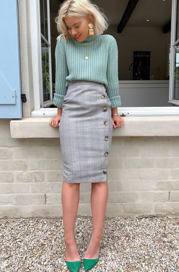 στενή φούστα με πουλόβερ