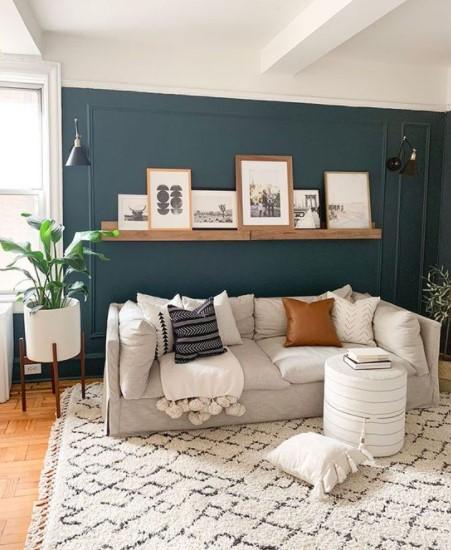 σαλόνι ράφι πάνω από καναπέ