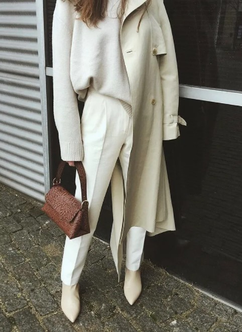 λευκό σύνολο με ψηλόμεσο παντελόνι