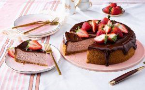 τουρτα σοκολατας φραουλα