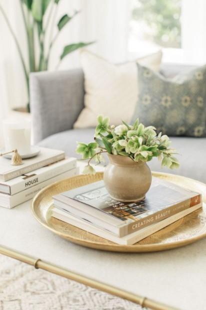 τραπέζι δίσκος γλαστράκι