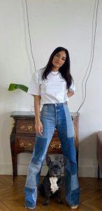 basic ντύσιμο με τζιν και λευκό μπλουζάκι