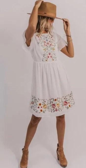 μπόχο φόρεμα καπέλο