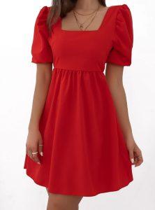 κόκκινο φόρεμα σε άλφα γραμμή