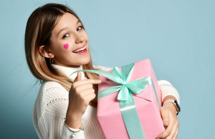 Τα 6 καλύτερα οικονομικά δώρα για παιδιά στην εφηβεία!
