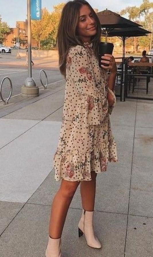 μπεζ φόρεμα