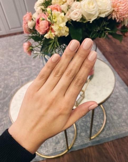 nude νύχια κοντά μανικιούρ κοντά νύχια