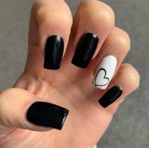 νύχια με καρδούλα