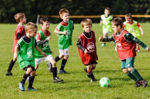 αγορια παιζουν ποδοσφαιρο