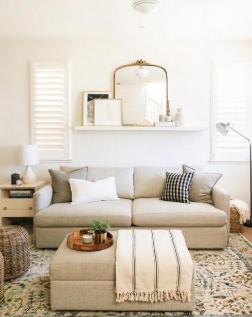 ράφι καναπές καθρέφτης καθρέπτες