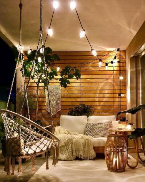 βεράντα φωτάκια καναπές
