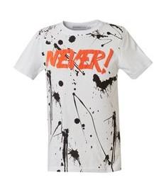 ασπρομαυρο μπλουζακι με πορτοκαλι ρουχα