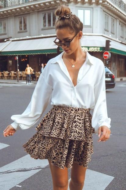 άσπρο πουκάμισο λεοπάρ φούστα στιλιστικά tips μικροκαμωμένη
