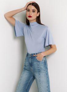 γαλάζια γυναικεία μπλούζα