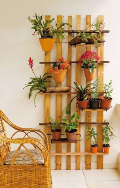 ξύλινη κατασκευή φυτά
