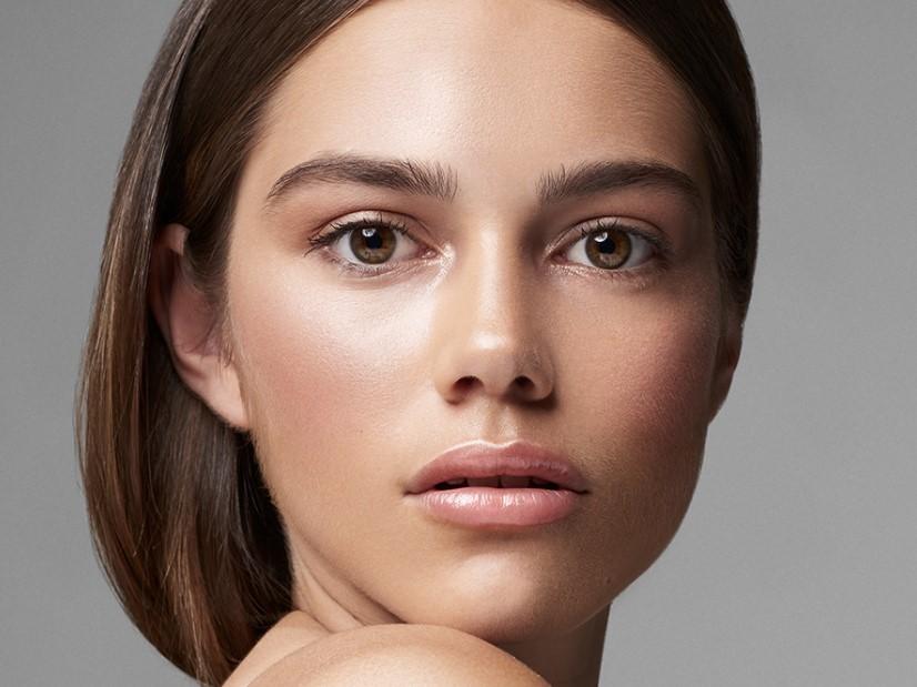 μακιγιάζ ελαφριά λάμψη μακιγιάζ νεανική όψη