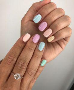 παστέλ νύχια
