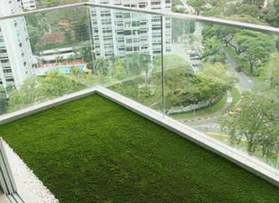 τεχνητό γρασίδι για πάτωμα στο μπαλκόνι