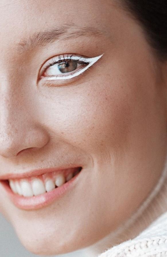 άσπρο eyeliner