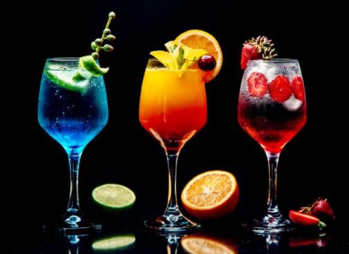 Τα 4 πιο γευστικά cocktails με λίγες θερμίδες!